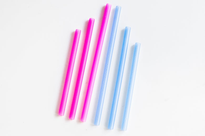 the GoSili straw set in two different colors