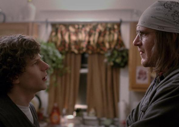 Still of Jesse Eisenberg and Jason Segel in The End of the Tour.