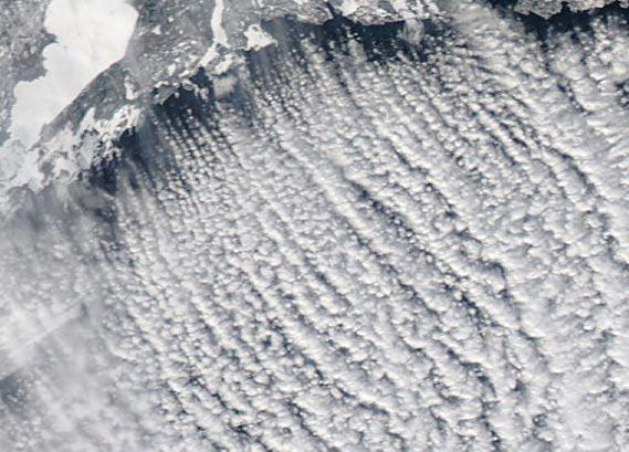 Details of the cloud streets over Lake Superior.