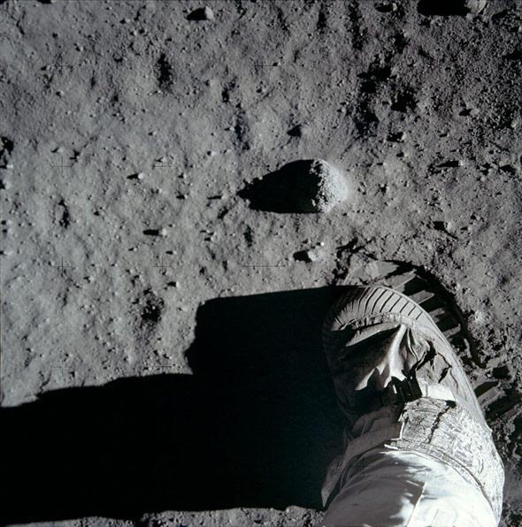 Buzz Aldrin bootprint