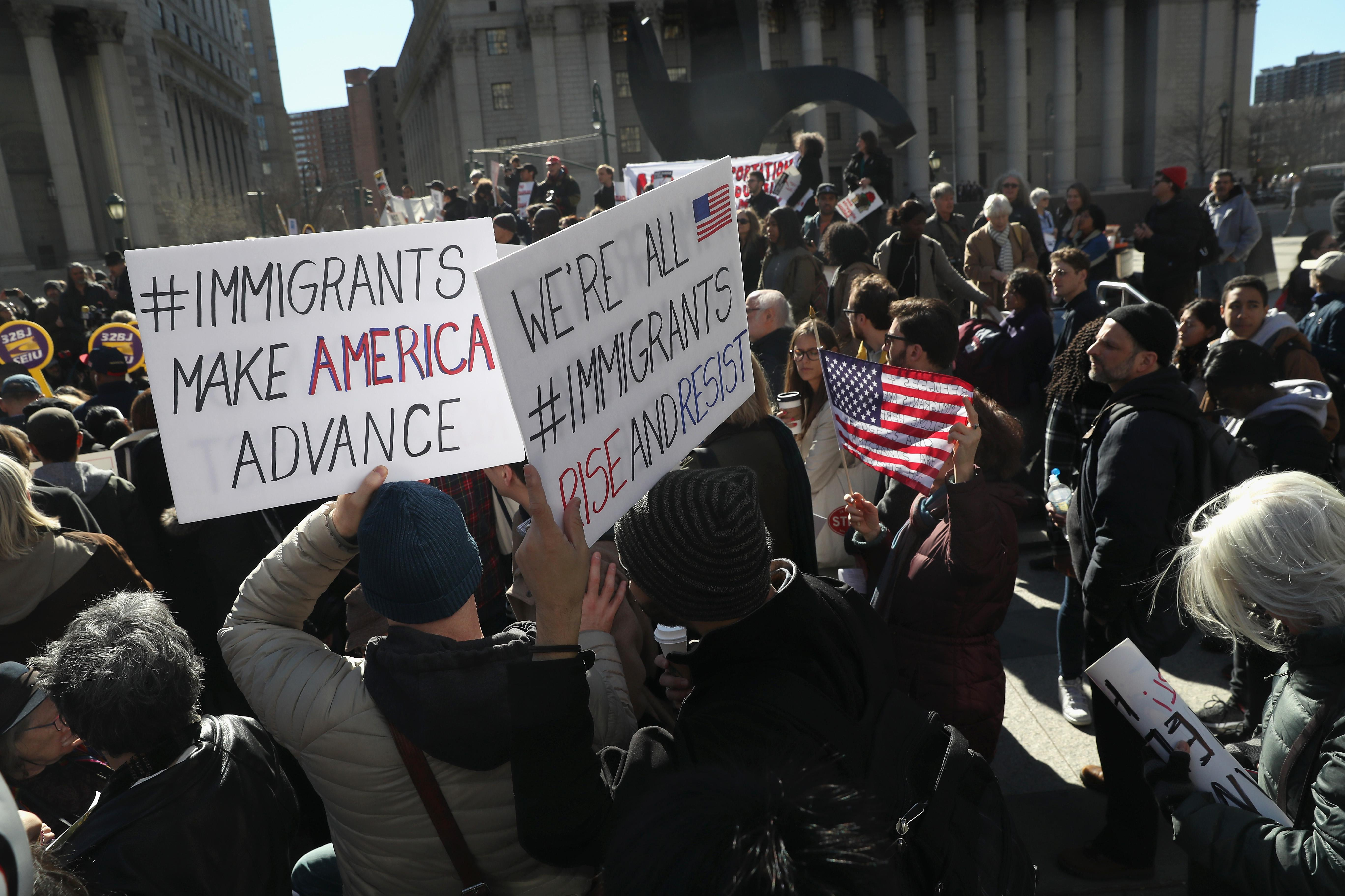 slate.com - Daniel Politi - White House Wants to Deny Green Cards to Immigrants Who Receive Public Benefits