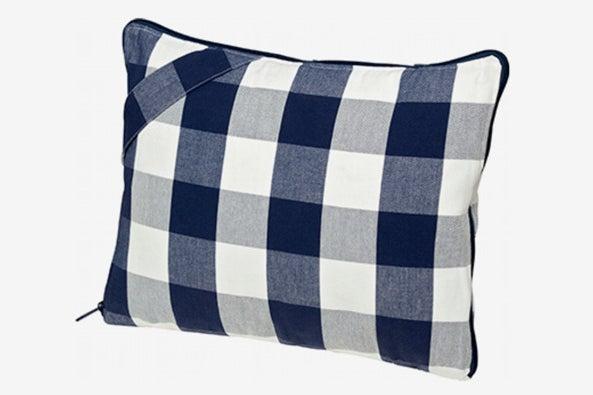 Hästens Travel Pillow.