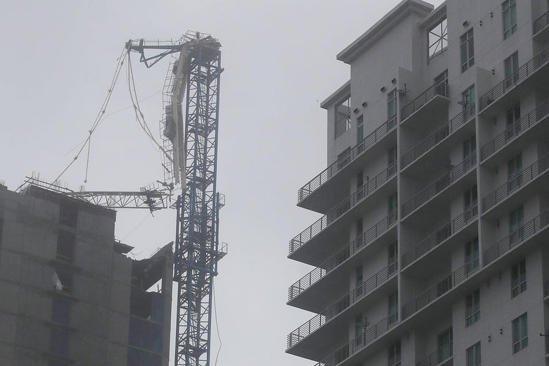 Collapse Of Florida Condo Boom >> Hurricane Irma Collapses Two Cranes In Miami