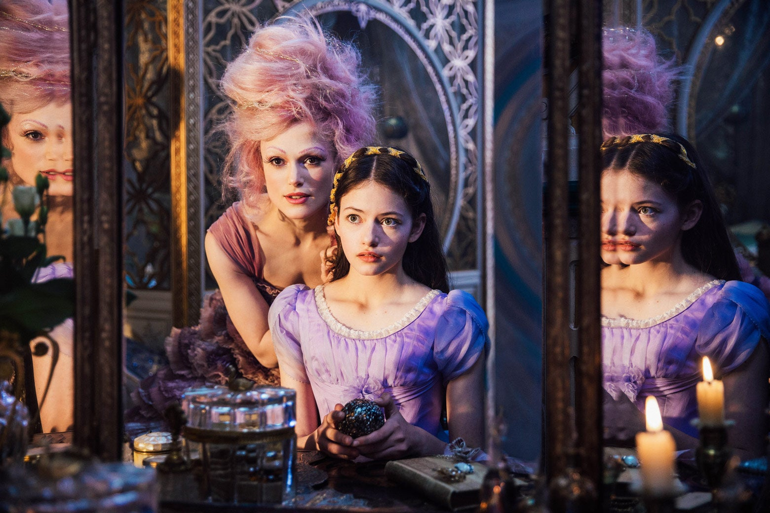 Keira Knightley as the Sugar Plum Fairy and Mackenzie Foy as Clara.