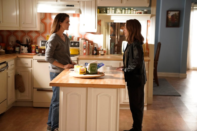 Keri Russell as Elizabeth Jennings and Holly Taylor as Paige Jennings in The Americans.