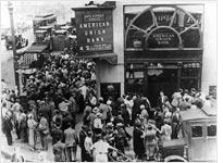 Bank run, 1931-style          Click on image to expand.