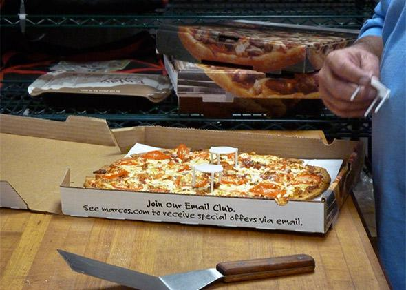 "Pizza box plastic lid support called ""box tents"" protect your pizza from the lid caving in."