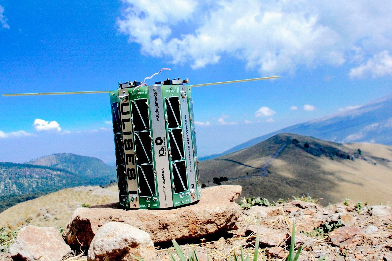 The satellite, photographed on a Mexican peak.