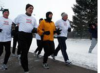 Huckabee takes a morning run in Des Moines, Iowa  Click image to expand.