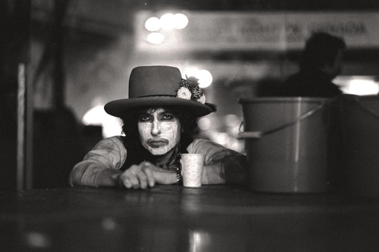 I Took Stunning Photo Of Dylan At >> Rolling Thunder Revue Review Martin Scorsese S Bob Dylan Movie For