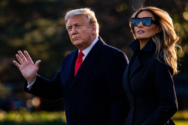 Trump waving next to Melania, in sunglasses