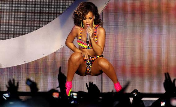 Rihanna performs for her 'Loud' tour.