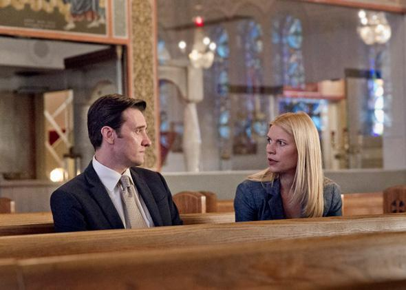 Jason Butler Harner as Paul Franklin and Claire Danes as Carrie Mathison in Homeland.