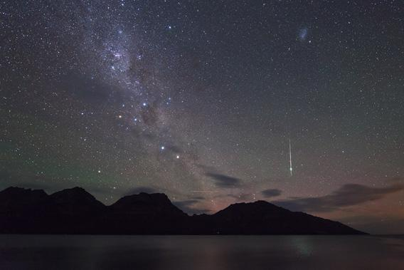 Geminid meteor seen from the southern hemisphere.