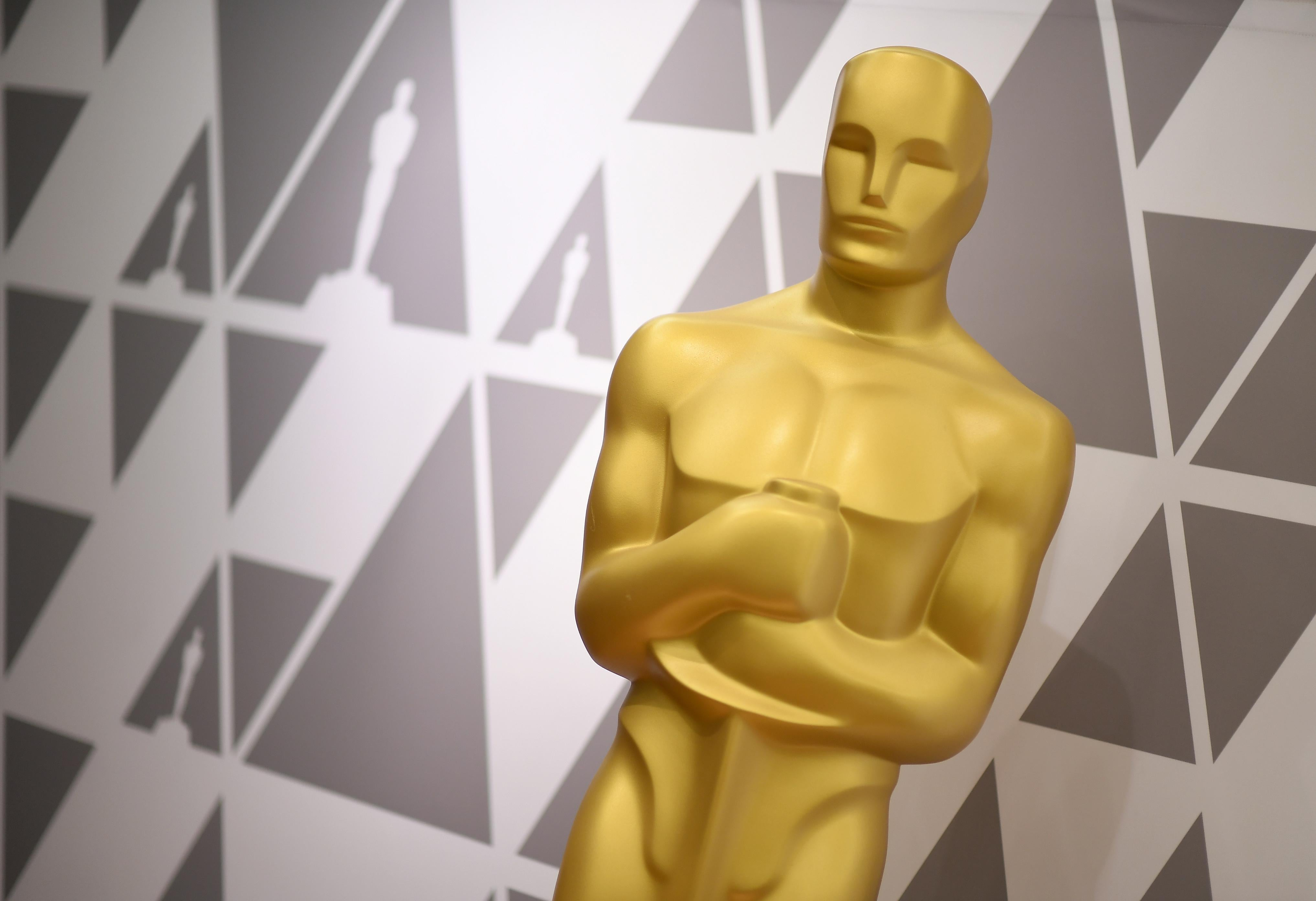 An Oscar Statue during preparations for the 90th annual Academy Awards.
